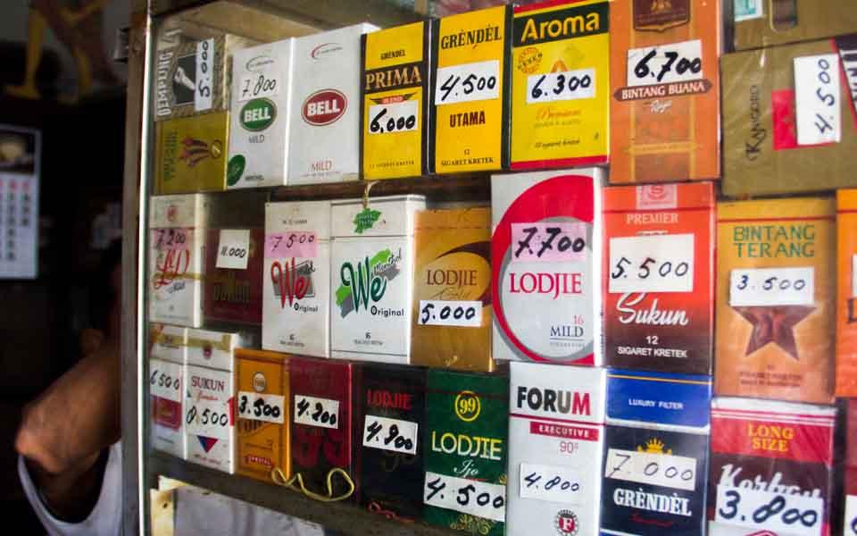 Foto ilustrasi warung rokok.