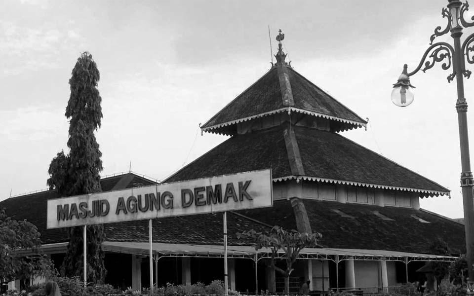 Masjid Demak dan Simbol Keragaman