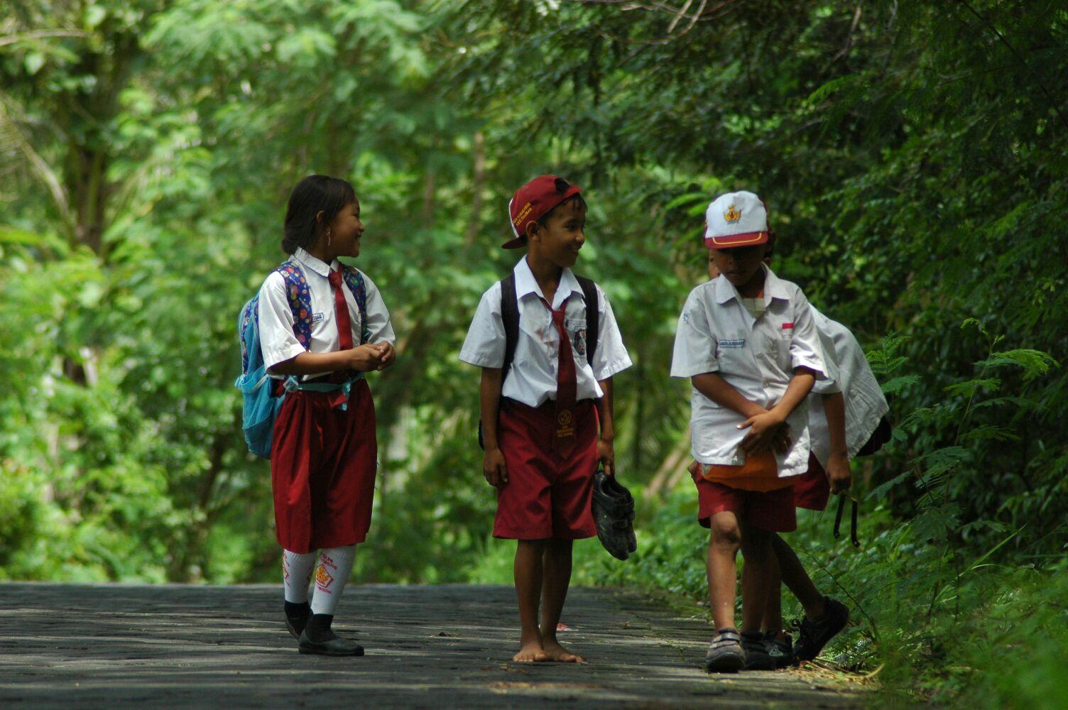 Anak-Anak yang Tampak Lebih Bahagia Saat Pulang Sekolah ...