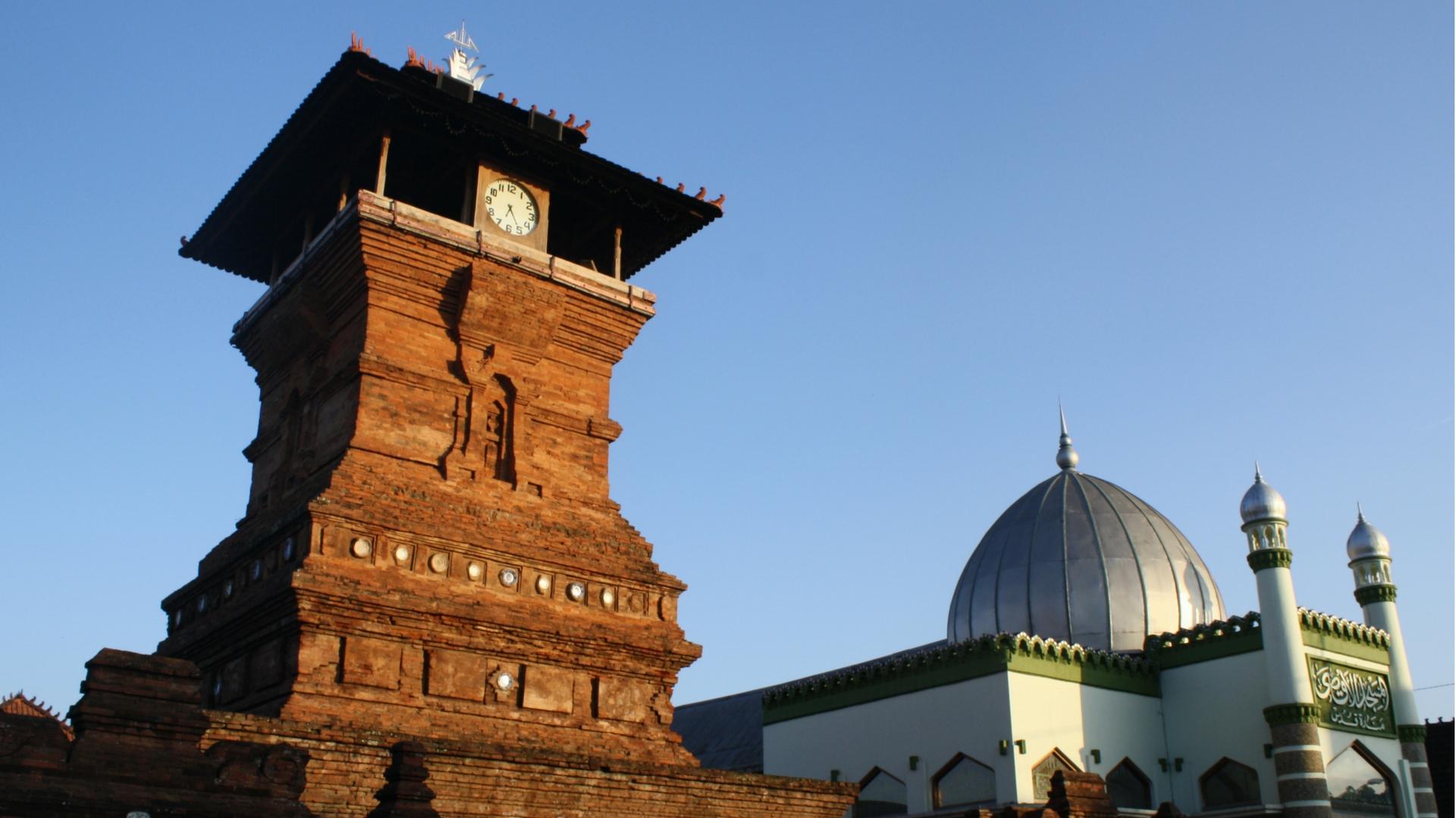 Akulturasi dan Toleransi Antar Umat Beragama di Kota Kretek, Kudus