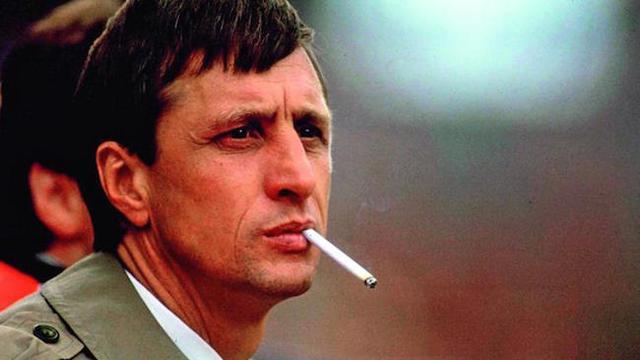 Johan Cruyff dan Kisah Para Perokok di Lapangan Hijau