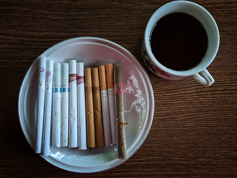 rokok ngopi