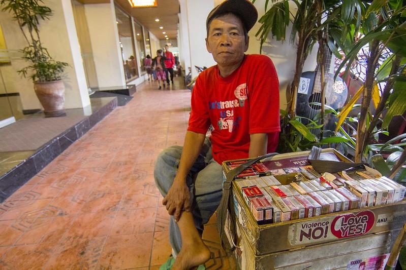 penjual rokok eceran